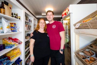 Der Betreiber Markus Wegerth mit seiner Frau Karin